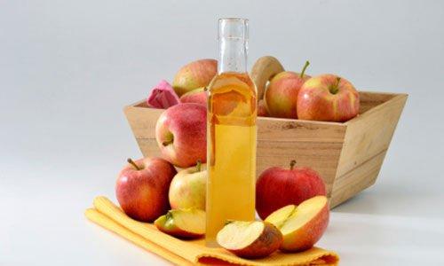 De voordelen als je je haar wast met appelazijn