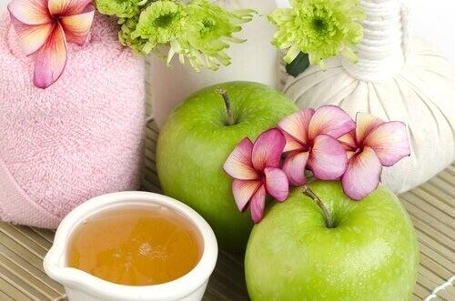 gezichtsmasker van appel en honing