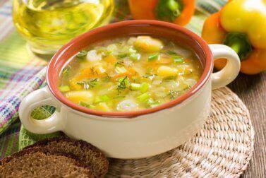 Voedingsmiddelen om je honger te stillen en die gezond zijn groentesoep
