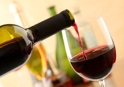 8 mogelijke voordelen van rode wijn drinken
