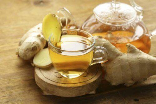 Thee van gember en aloë vera, een krachtige natuurlijke drank