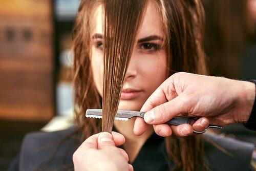 Knip elke drie maanden je gespleten haarpunten