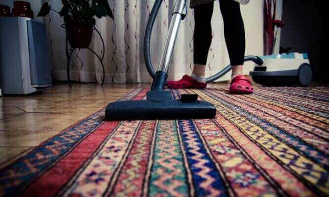 let op tapijten tapijt stofzuigen