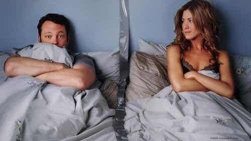 In aparte kamers slapen kan gunstig zijn voor je relatie