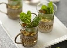peterselie-muntthee in prachtige kopjes