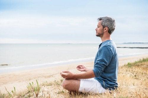 Mediteren aan het strand