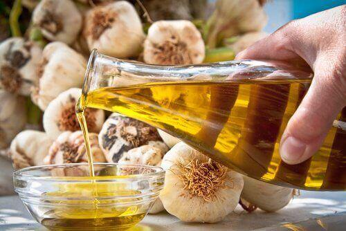 Olijfolie en knoflook