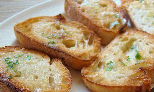 Gezonde manieren om brood met olijfolie te eten