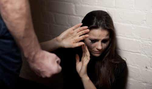 Zeven vroege tekenen van een gewelddadige relatie