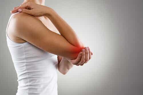 17 voedingsmiddelen om pijn en ontsteking bij artritis te voorkomen