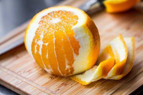 De weinig bekende geneeskrachtige eigenschappen van sinaasappelschil
