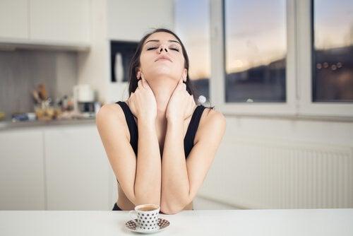 Hals masseren tegen rimpels