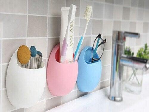 Borstels en kwasten in de badkamer