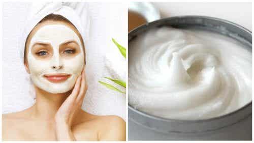 Verwijder onzuiverheden met dit masker van aspirine en yoghurt