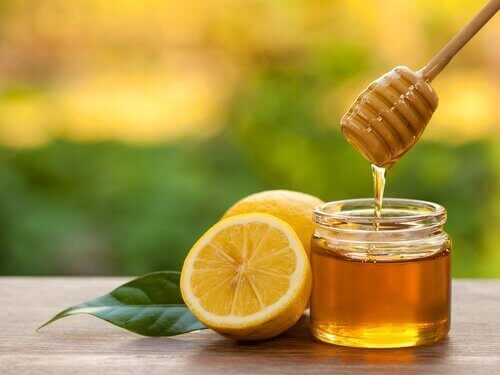 potje honing en gesneden citroen