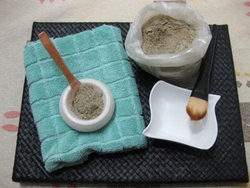 Ingrediënten voor een groen gezichtsmasker