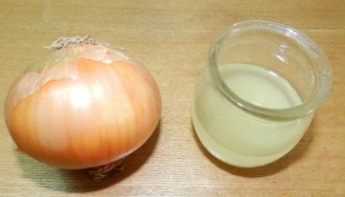 Ui en citroensap tegen hoest