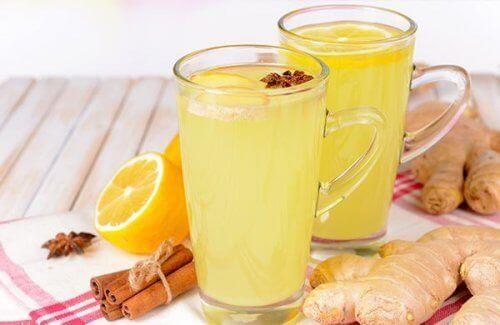 5 recepten voor sappen die je lever helpen te zuiveren zoals een sap met sinaasappel en gember