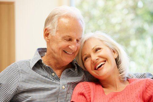 Oudere man en vrouw