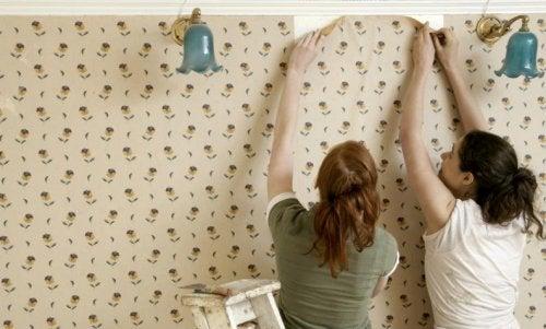 toepassingen van zeep lijmresten verwijderen van behang