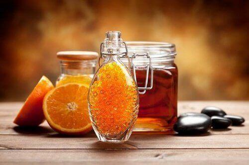 Sinaasappels met honing en kaneel als je aan fibromyalgie lijdt
