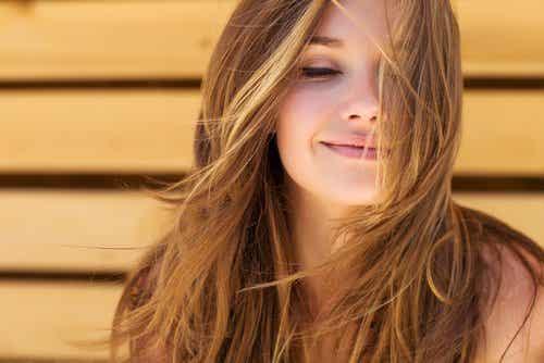 3 manieren om de haargroei te bevorderen