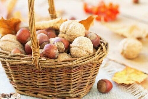 Mandje met noten