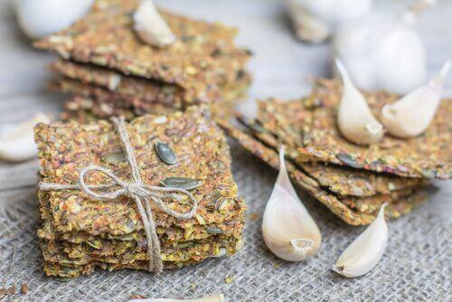 Recept voor glutenvrije en lactosevrije crackers met zaden