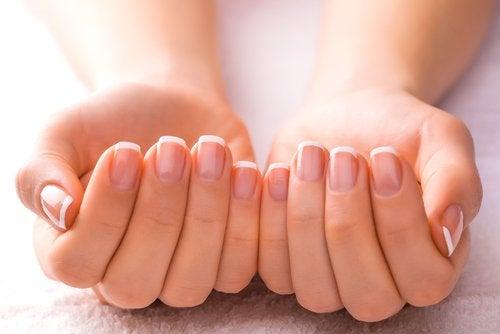 Mooie, verzorgde nagels