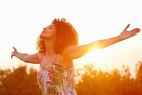 Vrouw in de zon