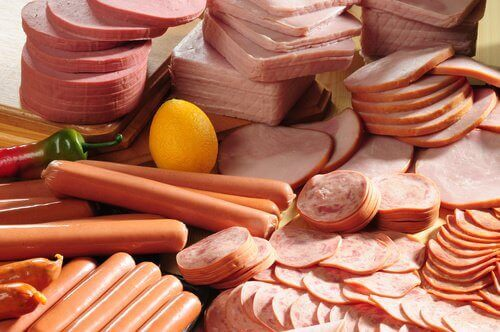 Voedingsmiddelen die je moet vermijden vleeswaren