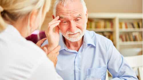 8 signalen van dementie die iedereen zou moeten kennen