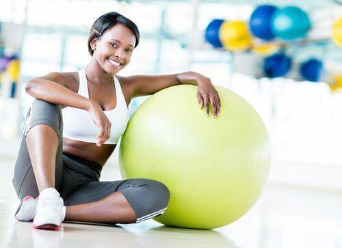Thuis sporten met een bal