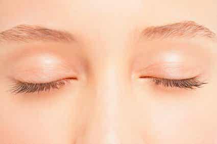 Verstevig je oogleden met een zelfgemaakte crème