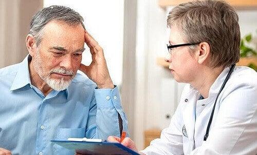 Naar de dokter om een aneurisma te voorkomen