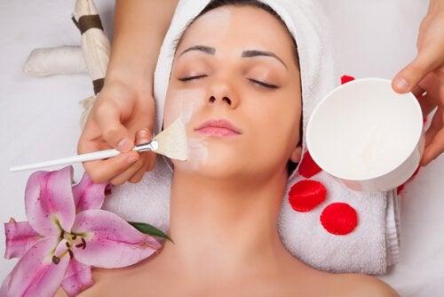 Je gezicht verzorgen meteen gezichtsmasker met eiwitten