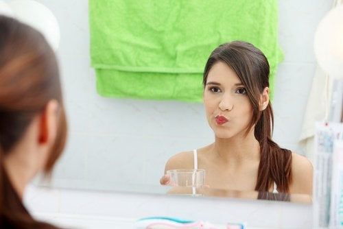 Appelazijn gebruiken als mondspoeling