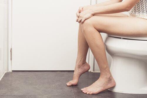 Toiletbezoek belangrijk bij bloedende aambeien