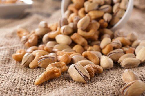 Pistachenoten en cashewnoten