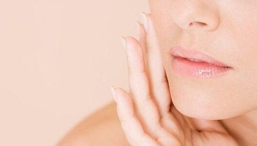 Je gezicht verzorgen om je poriën te reinigen