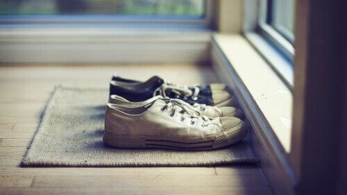 Last van zweetvoeten door verkeerde soort schoenen