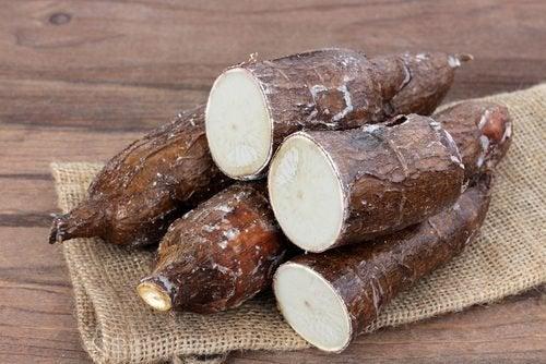 De eigenschappen van cassave bevordert de spijsvertering