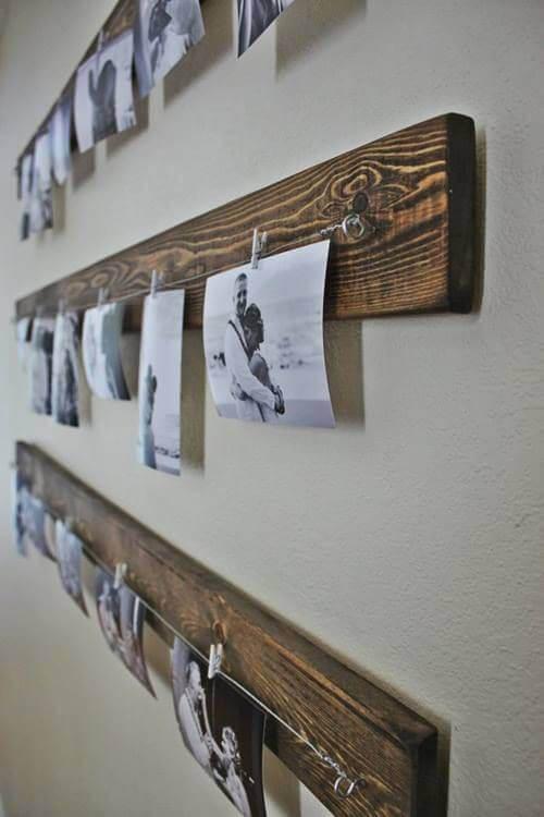 foto's aan een houten plank