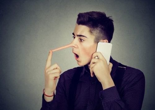 Man die een lange neus krijgt omdat hij liegt