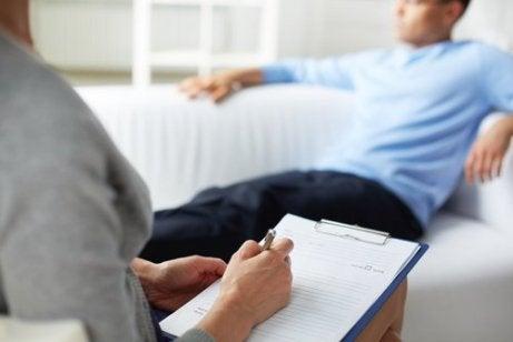 De therapeut en therapie sessie