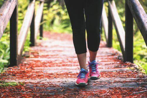 Wandelen tegen kniepijn