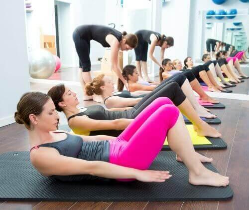 Pilates tegen kniepijn