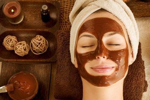 Maskers voor een droge huid met chocola