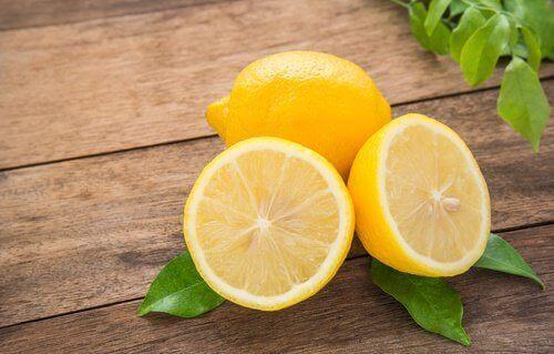 Vijf geweldige schoonheidsbehandelingen met citroen
