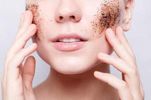 Maak thuis zelf exfoliërende producten voor je huid!